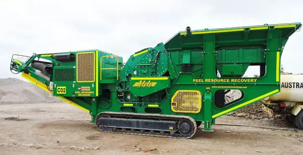 Crushing and screening machine